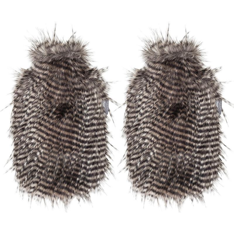 Afbeelding van 2x Bruine/bruin/witte kruiken 2 liter met zachte neppe dierenvacht hoes 2 liter