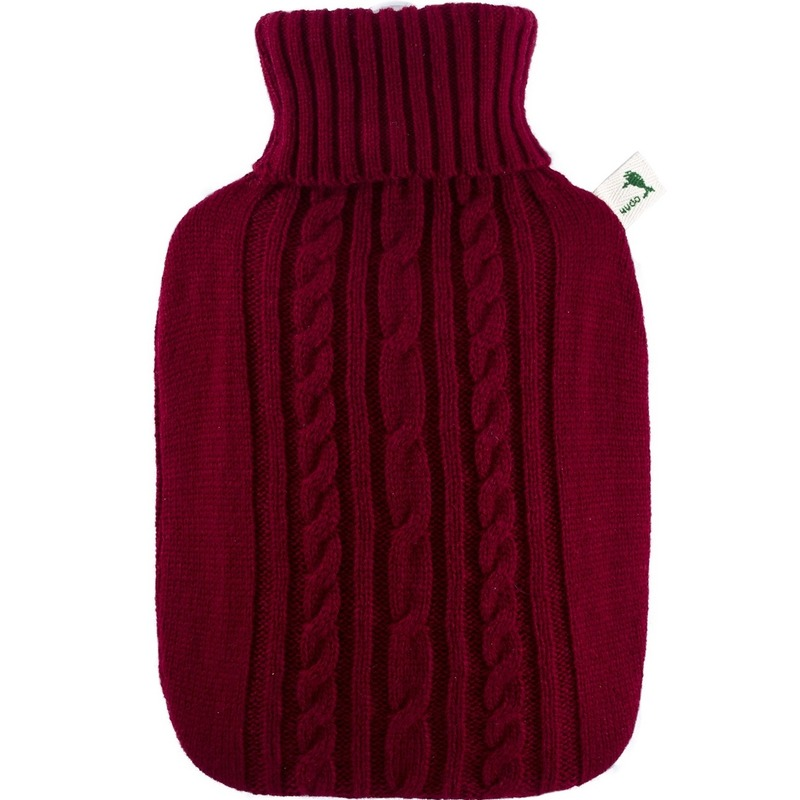Afbeelding van Bordeaux rode waterkruik 1,8 liter met gebreide hoes